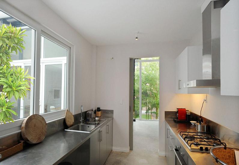 Nội thất phòng bếp nhà phố không gian mở