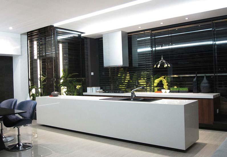 Nội thất phòng bếp của căn biệt thự hiện đại